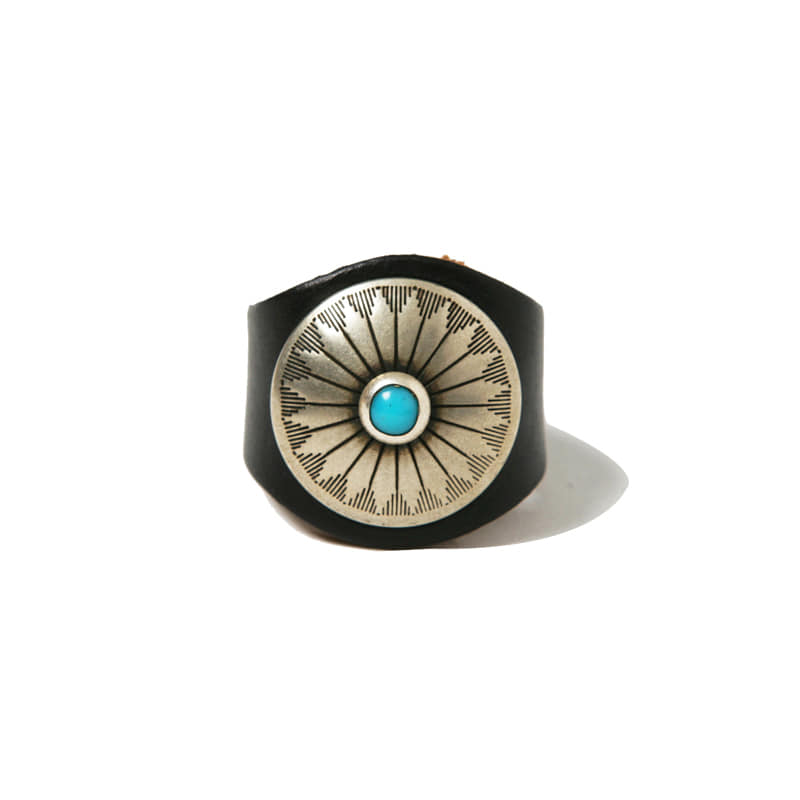 LEATHER RING W CONCHO - BLACK