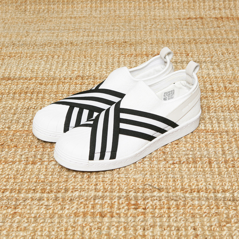 ADIDAS X WHITE MOUNTAINEERING SLIP ON - WHITE